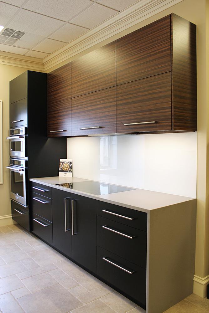 Kitchen_Modern - Fehrenbacher Cabinets, Inc.