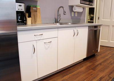 Breakroom kitchenette 2
